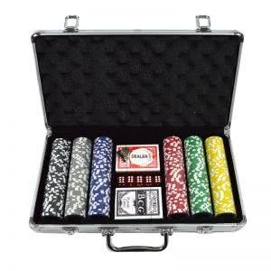 komplekt-za-poker-v-kufarche-01