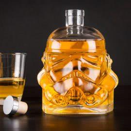 styklena-butilka-za-alkohol-star-wars-stormtrooper-01