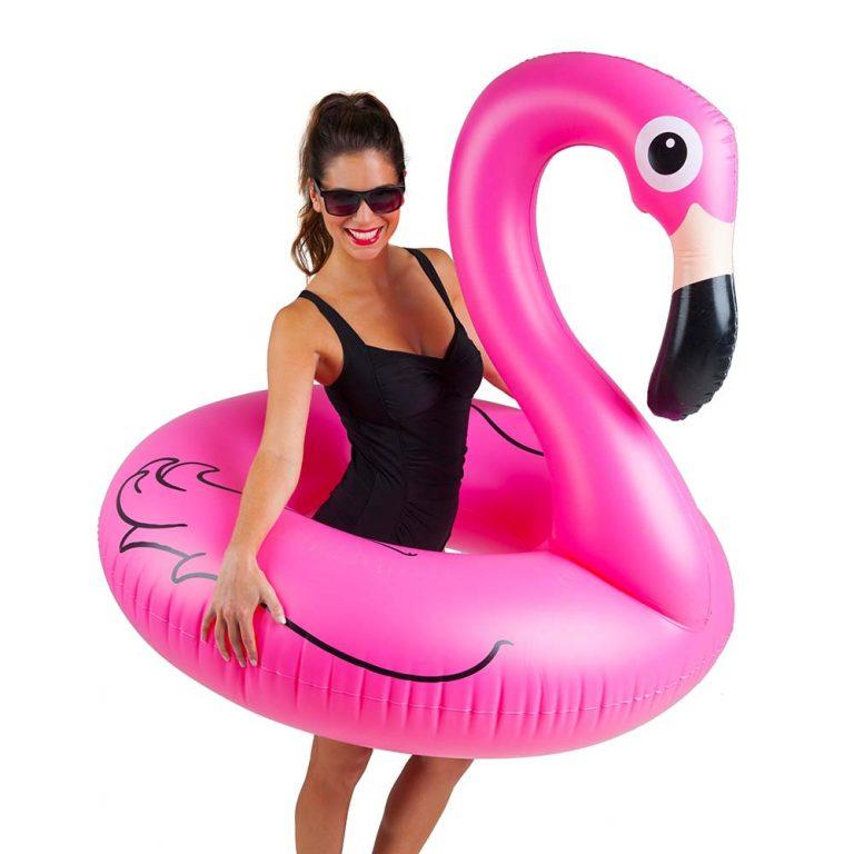 Жена с Голямо Надуваемо Фламинго