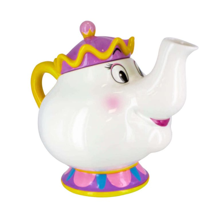 Чайник Мис Потс от Красавицата и Звяра на Бял Фон