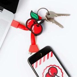 Зареждане на Телефон с USB Кабел за iPhone и Android - Черешки