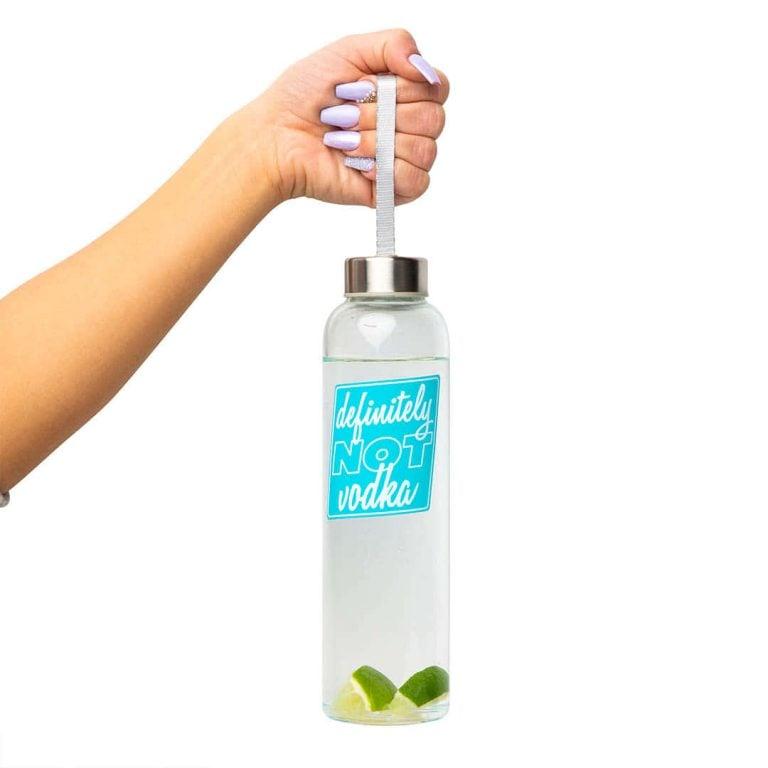 Стъклена Бутилка за Вода - Не е Водка в Ръка
