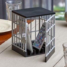 Отворена Клетка за Затваряне на Телефон