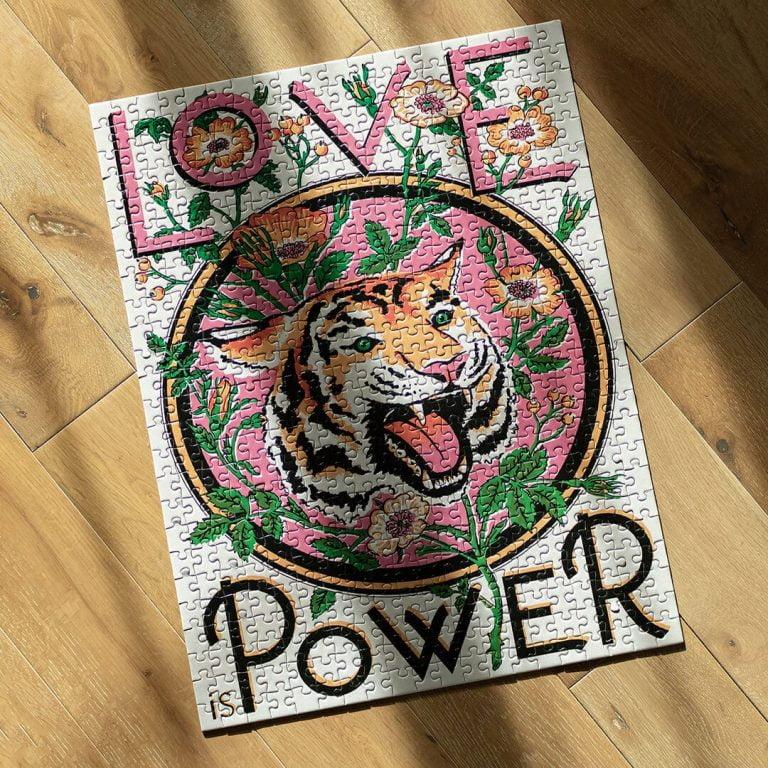 Арт Пъзел - Love is Power